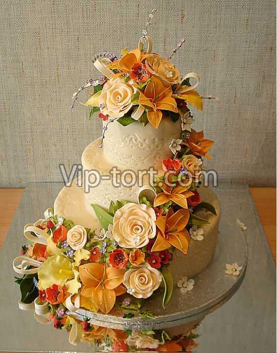 Эксклюзивный свадебный торт желтый