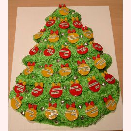 "Торт на Новый год ""Елочка с именами"""