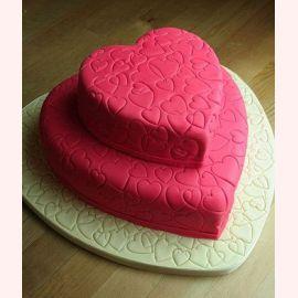 """Торт для влюбленных """"Всё в сердцах"""""""