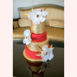 """Торт """"Шикарные белые цветы"""""""