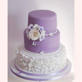 """Оригинальный свадебный торт """"Лилово-белый"""""""