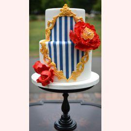 """Торт """"Синие полоски с красными цветами"""""""