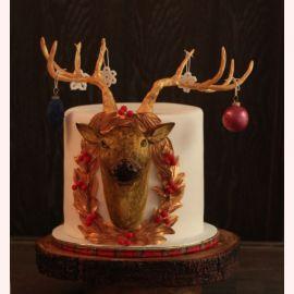 """Новогодний торт """"Олень с золотыми рогами"""""""