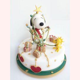 """Новогодний торт """"Снупи в гирлянде"""""""