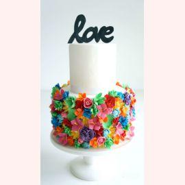 """Торт для влюбленных """"Красочные цветы LOVE"""""""