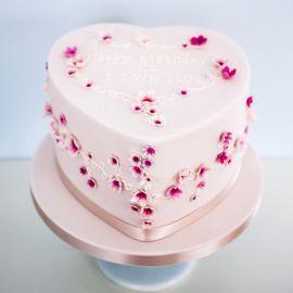 """Торт """"Сердечко в цветочек"""""""