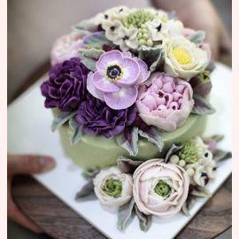 """Торт с цветами из крема """"Красочные цветы"""""""