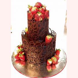 """Торт """"Шоколадное изящество и ягоды"""""""